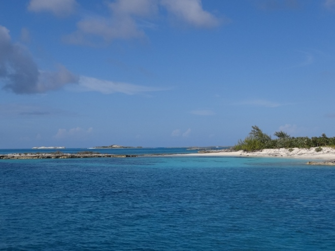 One of the tiny Pimlico Cays along the shallow draft route from Lee Stocking to Rudder