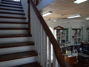 Attractive interior, Upstairs offered a lovely harbor view, reading nooks and a table with computers