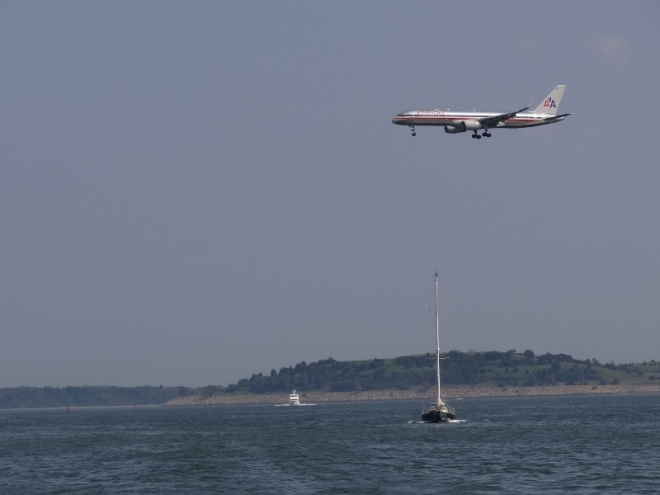 An American Airlines plane coming in for a landing