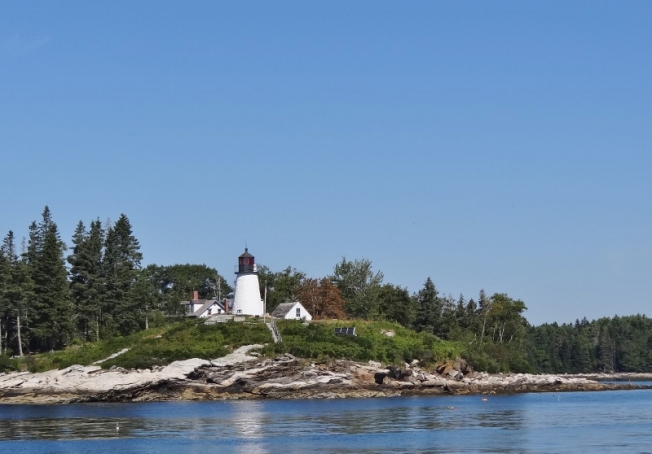 Lighthouse on Burnt Island