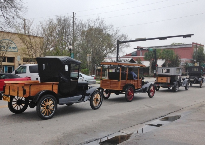 Model-T road trip heads through downtown High Springs