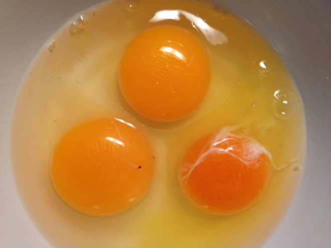 Regular grocery store eggs are never this orange