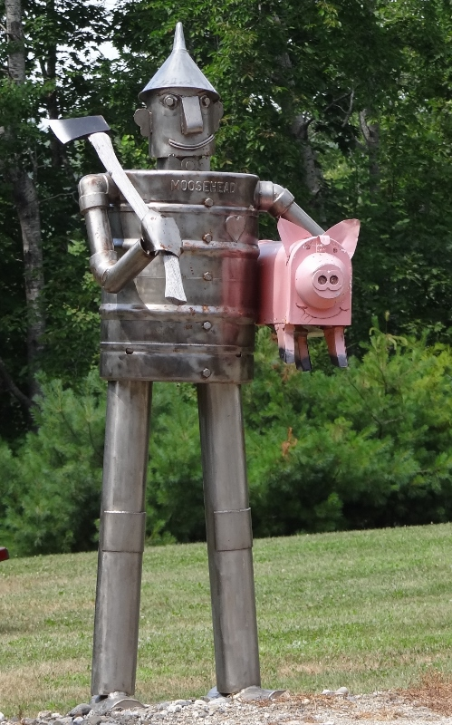 tin man and pig mailbox