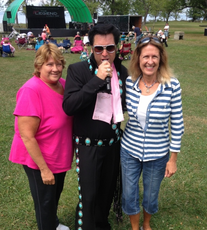 we pose with Elvis